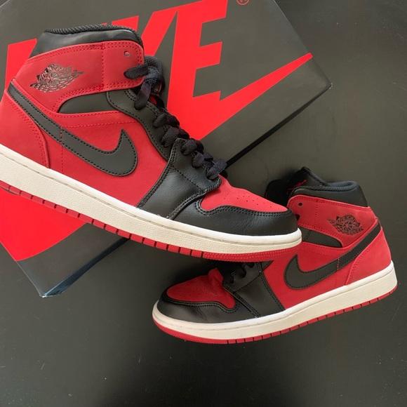 competitive price 43b32 1e7ba Jordan Retro 1 Mid Banned Size 8.5 Mens